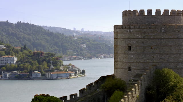 vidéos et rushes de views of rumeli hisari fortress, istanbul - byzantin