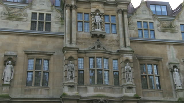 views of the controversial cecil rhodes statue at oriel college in oxford - wide shot stock videos & royalty-free footage