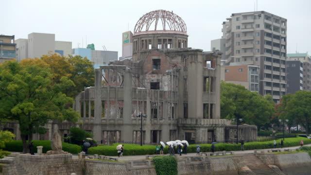 vidéos et rushes de views of the hiroshima peace memorial, japan - arme de destruction massive