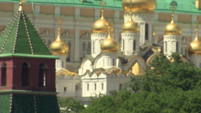 views of the kremlin - fade out video transition stock videos & royalty-free footage