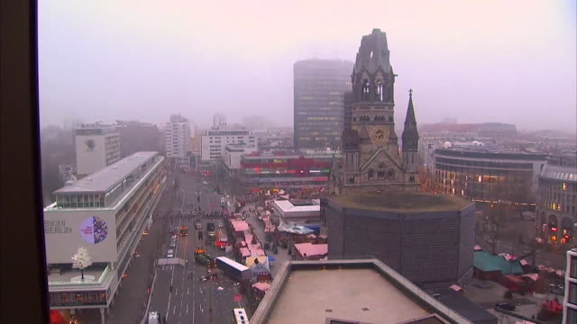 stockvideo's en b-roll-footage met views of the lorry used to commit the berlin terror attack on a christmas market - terrorisme