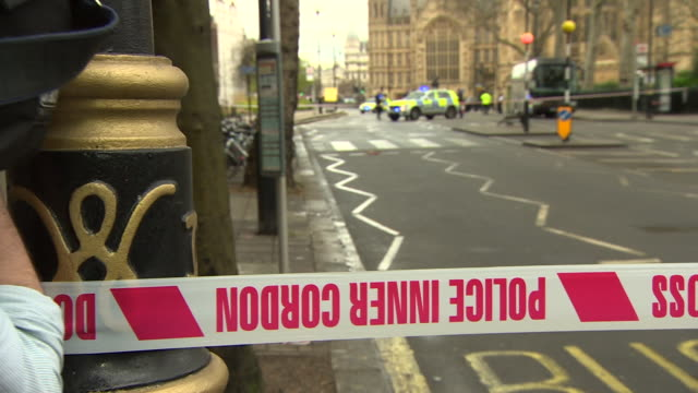 views of the police cordon after the westminster terror attack - überfahren stock-videos und b-roll-filmmaterial