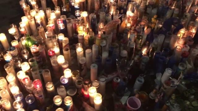 vigil for slain rapper, nipsey hussle in hyde park. - gedenkveranstaltung stock-videos und b-roll-filmmaterial