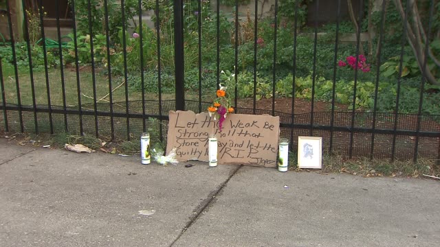 vídeos y material grabado en eventos de stock de vigil was held for the 5 people shot in a drive by shooting in front of the uptown baptist church. 1 of the 5 victims is still on life support sign... - baptista
