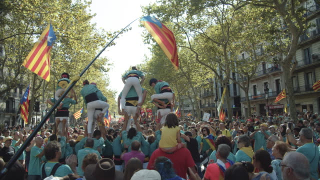 vilafranca castellers at catalonia demonstration movement for the independence from spain. barcelona during 11 september 2019 at barcelona. catalan national day - referendum stock videos & royalty-free footage