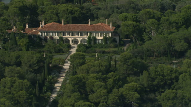 aerial zo villa on cap d'antibe/ cote d'azur, france - cote d'azur stock videos & royalty-free footage
