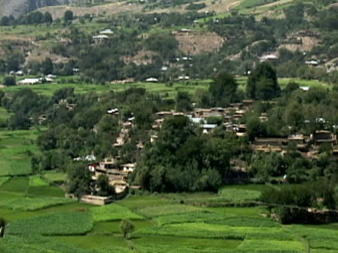 ws ls zo village and mountains, swat valley, north west province, pakistan - pakistan video stock e b–roll