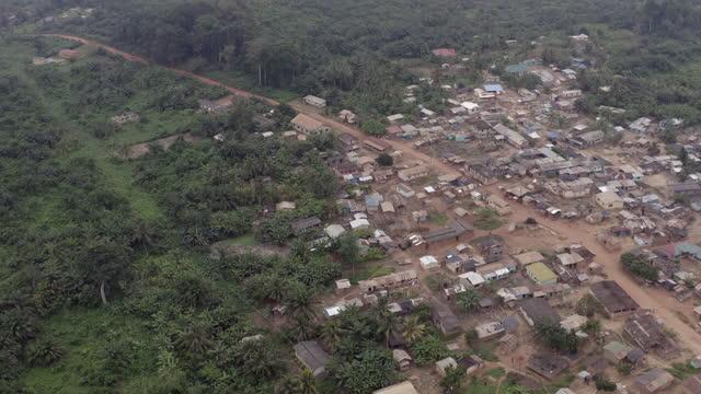 高角度からガーナの村 - exploration点の映像素材/bロール