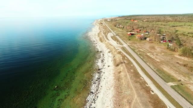 vídeos de stock, filmes e b-roll de vila na ilha de öland, na suécia - sweden
