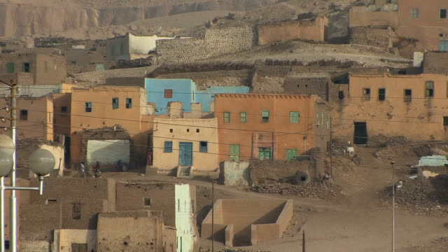 ms zo ws village of kuna on west bank opposite luxor, egypt - エジプト点の映像素材/bロール