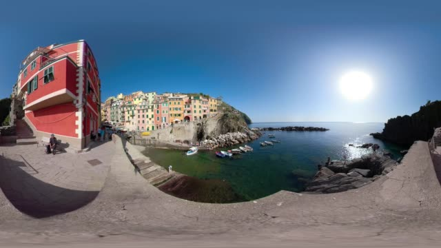 360 vr / village of riomaggiore over the mediterranean sea - 360 video stock videos & royalty-free footage