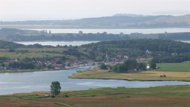 ws village of seedorf in southern rã¼gen island area of mã¶nchgut and castle jagdschloss granitz  / binz, mecklenburg-western pomerania, germany - komplett stock-videos und b-roll-filmmaterial