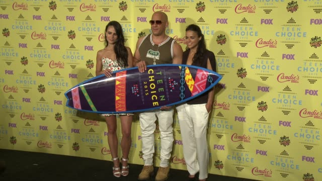 vin diesel jordana brewster and michelle rodriguez at the teen choice awards 2015 at usc galen center on august 16 2015 in los angeles california - vin diesel stock videos and b-roll footage