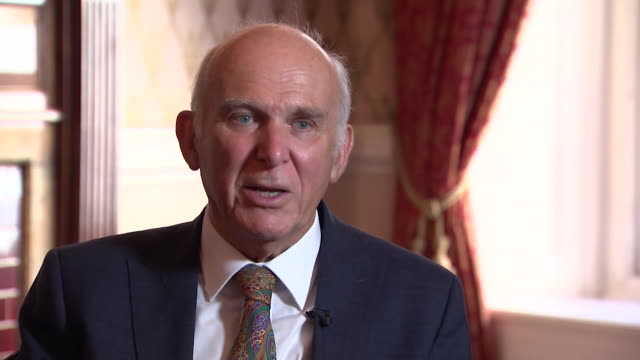 vídeos de stock, filmes e b-roll de vince cable on the 'demand' for an alternative to the labour and conservative parties - cable