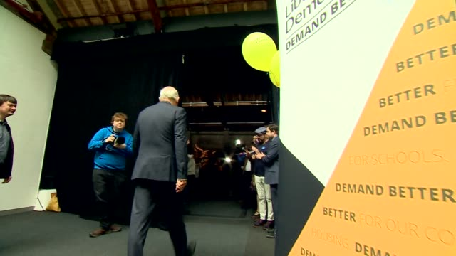 vídeos de stock, filmes e b-roll de vince cable speaking at a liberal democrat 'stop brexit' event in east london - stop placa em inglês
