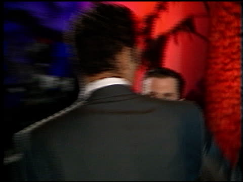 stockvideo's en b-roll-footage met vince vaughn at the 1998 academy awards vanity fair party at morton's in west hollywood california on march 23 1998 - 70e jaarlijkse academy awards