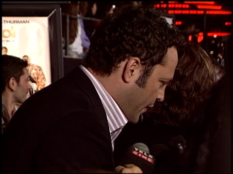 vince vaughn at the 'be cool' premiere at grauman's chinese theatre in hollywood, california on february 14, 2005. - vince vaughn stock videos & royalty-free footage