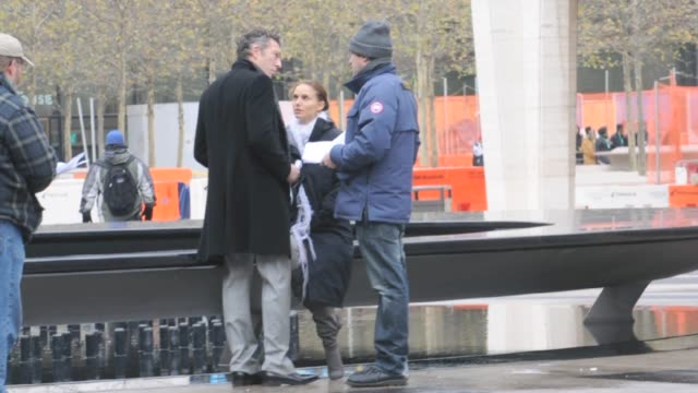 vincent cassel natalie portman and darren aronofsky on the set of 'black swan' at the celebrity sightings in new york at new york ny - darren aronofsky stock videos and b-roll footage