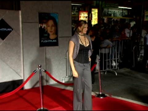 vinessa shaw at the 'flightplan' los angeles premiere at the el capitan theatre in hollywood, california on september 19, 2005. - エルキャピタン劇場点の映像素材/bロール