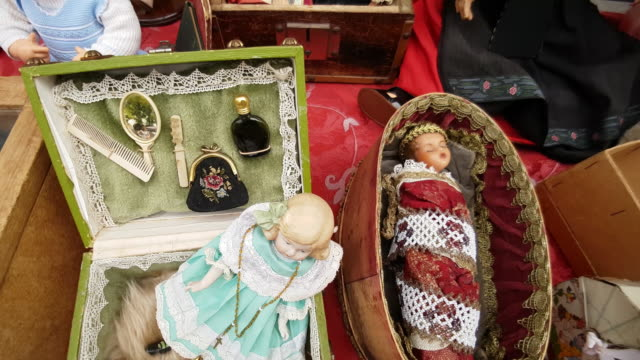 Vintage Dollies Offered at the Open Flea Market