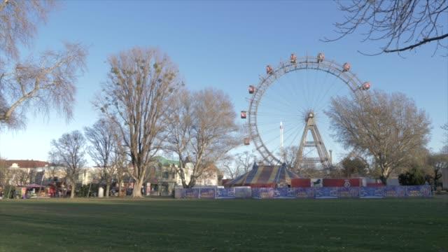 vintage ferris wheel in the viennese prater in winter, vienna, austria, europe - prater park stock videos & royalty-free footage