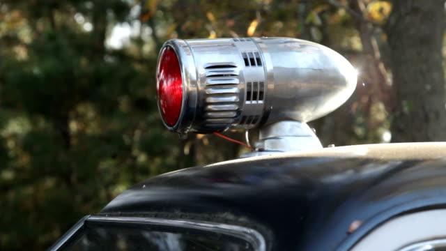vídeos y material grabado en eventos de stock de patrulla de caminos sheriff coches de época de luz roja - anticuario anticuado