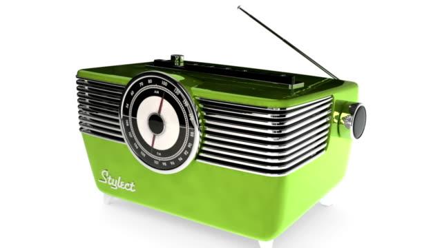 vídeos de stock, filmes e b-roll de rádio vintage hd: 720 p - rádio eletrônico de áudio