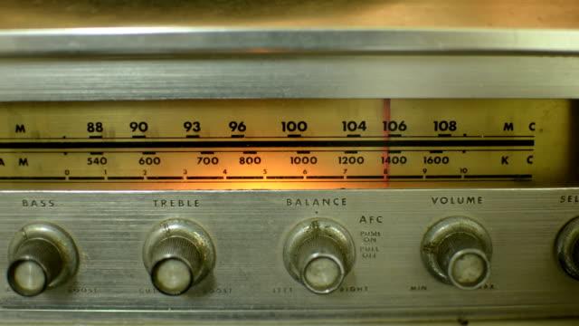 vintage radio - radio bildbanksvideor och videomaterial från bakom kulisserna