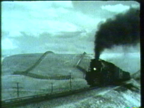 stockvideo's en b-roll-footage met vintage steam train - stoomtrein
