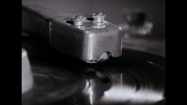 vinyl record finishes playing on jukebox; 1974 - finishing stock videos & royalty-free footage