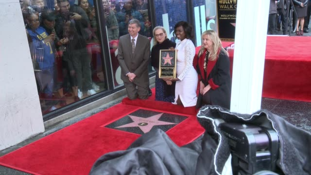 stockvideo's en b-roll-footage met viola davis and meryl streep at the viola davis honored with star on the hollywood walk of fame at hollywood walk of fame on january 5 2017 in... - hollywood walk of fame