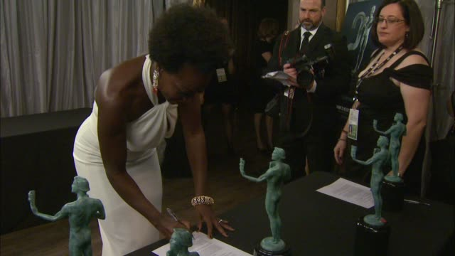 viola davis at the 21st annual screen actors guild awards trophy room at the shrine auditorium on january 25 2015 in los angeles california - shrine auditorium stock videos and b-roll footage