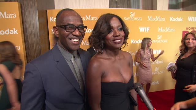 viola davis on how it feels to be receiving this honor from wif why it's important for women to empower one another what women are inspiring to her... - 光栄点の映像素材/bロール
