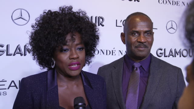 vídeos de stock, filmes e b-roll de interview viola davis talks about being at the event and being a women in 2018 at the glamour's 2018 women of the year at spring studios on november... - viola davis