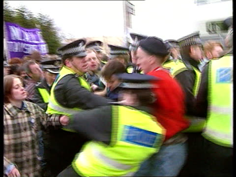 violence breaks out on timex picket lines in dundee cnao dundee pickets with banners advance on bus carrying 'replacement workers' into timex factory... - スコットランド ダンディー点の映像素材/bロール