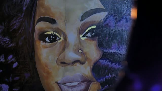 violence follows prosecution decision in breonna taylor case as president donald trump jeered as paying respects to ruth bader ginsburg usa kentucky... - mural stock videos & royalty-free footage
