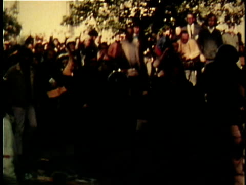 vidéos et rushes de violent antivietnam war demonstrations in wake of invasion of cambodia and kent state massacre / united states - 1970