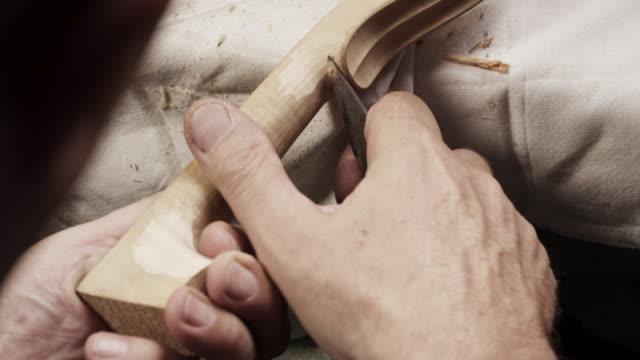 vídeos y material grabado en eventos de stock de violín cafetera - work tool