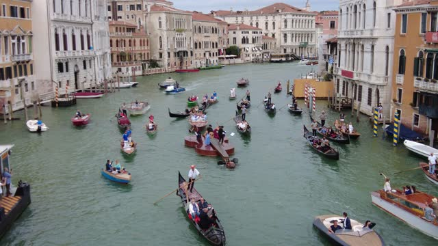 violin shaped boat parades near the accademia bridge on september 18, 2021 in venice, italy. violin shaped boat was launched on the island of... - nautical vessel stock videos & royalty-free footage