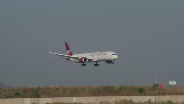 virgin atlantic 787 landing - boeing 787 stock videos and b-roll footage