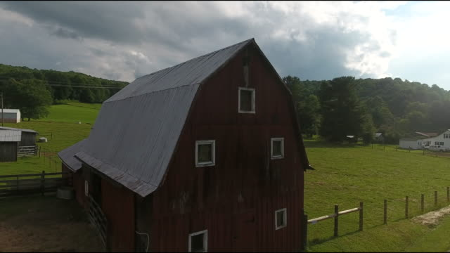 virginia barn overhead - barn stock videos & royalty-free footage