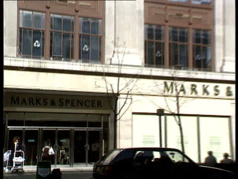 shopping; cf tape no longer available england seq gvs of marble arch m & s store ) london ) cr2201/20.3.90/ marble arch ) itn m & s )... - audio available bildbanksvideor och videomaterial från bakom kulisserna