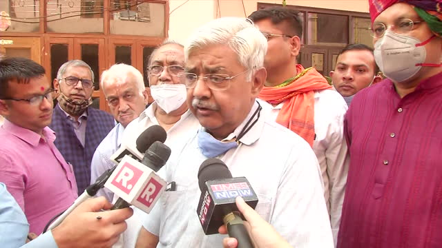 vishwa hindu parishad leader alok kumar's byte while he spoke about nikita tomar's murder case. he suggested haryana government to make strict rules... - byte stock videos & royalty-free footage