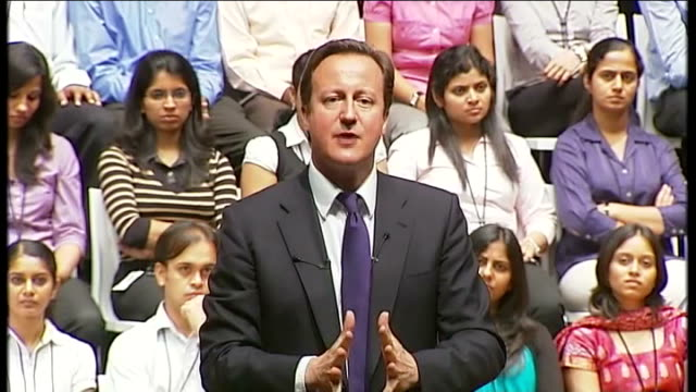 visit to britain by pakistan president to go ahead despite diplomatic row lib bangalore int david cameron speech at it company infosys sot **flash... - 外交点の映像素材/bロール