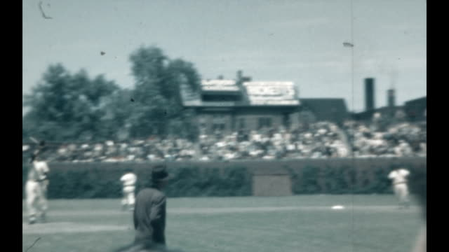 Visit to Wrigley Field for a game between the Reds and the Cubs in 1936