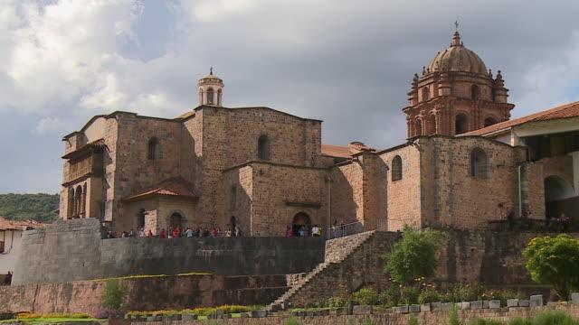 visitors at corincancha  temple, cusco, peru - convent stock videos & royalty-free footage