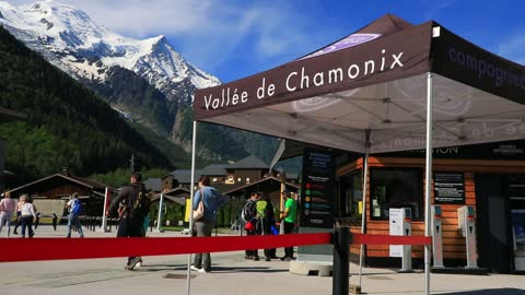 visitors buy tickets and make inquiries before taking the cable car to the aiguille du midi on june 12, 2021 in chamonix, france. chamonix is an... - ski resort stock videos & royalty-free footage