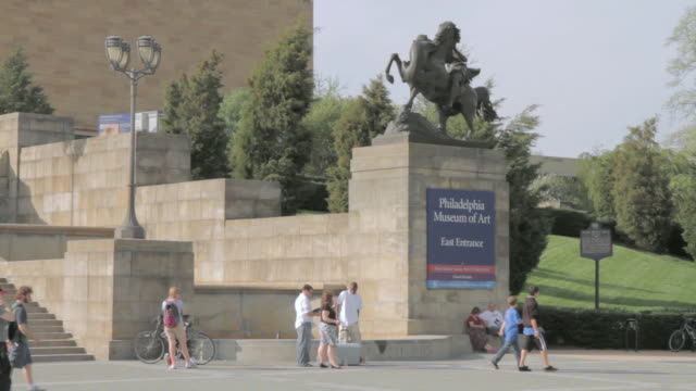 ws visitors waiting outside the philadelphia museum of art / pennsylvania, united states - keyable stock videos & royalty-free footage