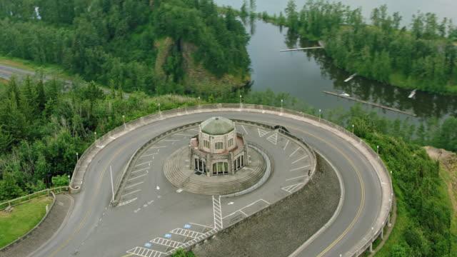 aerial vista house above the columbia river - portland oregon bildbanksvideor och videomaterial från bakom kulisserna