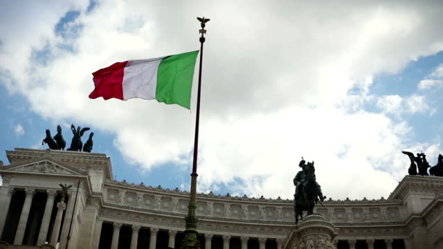 vittorio emanuele monument in rome and italian flag - italy stock videos & royalty-free footage